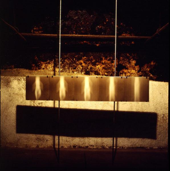 gefangene seele IV (entweichend) . 250x50 . 2005